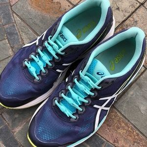 ASICS Sneakers size 8 lightly used blue